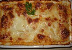 Ínyenc rakott cukkini Meat Recipes, Paleo Recipes, Paleo Food, Hungarian Recipes, Hungarian Food, Cheeseburger Chowder, Lasagna, Tapas, Zucchini