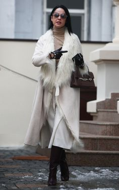 Andreea Marin Romania, Celebrity Style, Fur Coat, Celebrities, Jackets, Fashion, Down Jackets, Moda, Celebs