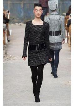 Vetsido de lã Chanel http://vilamulher.terra.com.br/vestido-de-la-quente-e-fashion-14-1-32-2606.html