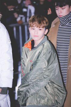 Se que Woozi tiene 20 años, pero parece un tierno y lindo niño
