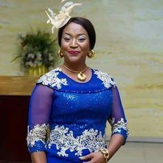 kellysilver_beautyfashion: Look good African Lace Styles, African Lace Dresses, African Dresses For Women, African Attire, African Blouses, Ankara Styles, Latest African Fashion Dresses, African Print Fashion, African Fashion Traditional