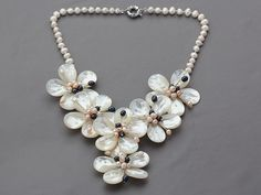 White Freshwater Pearl, Freshwater Pearl Necklaces, Pearl Jewelry, Diy Jewelry, Jewelry Making, Jewelry Ideas, Jewellery, Bib Necklaces, Wholesale Jewelry