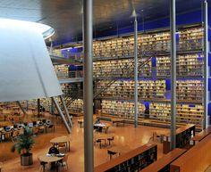 BIBLIOTECA DA UNIVERSIDADE DE TECNOLOGIA DELFT - Construído em 1997. Está localizada no oeste dos Países Baixos.