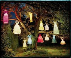 Photography by English Artist and Photographer Tim Walker. Tim Walker is recognize for its quirky humor (like the cats pastel colors painted) and Spooky Halloween, Easy Halloween Decorations, Outdoor Halloween, Vintage Halloween, Halloween Party, Origami Halloween, 1960s Halloween, Halloween Supplies, Halloween Office