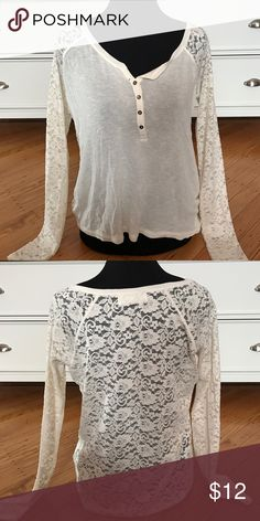 Never worn long sleeve top w lace Lace Abercrombie & Fitch Tops Tees - Long Sleeve