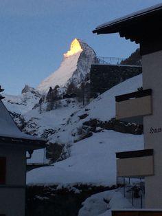Sonnenaufgang in Zermatt Zermatt, Mount Everest, Mountains, Nature, Pictures, Travel, Sunrise, Heaven, Photos