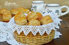 Gabriella kalandjai a konyhában :): Réteges tepertős pogácsa Croissant, Recipies, Muffin, Food And Drink, Baking, Breakfast, Cake, Kitchen, Recipes