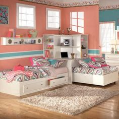 Unique idea for two beds in a kids room
