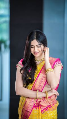 Adah Sharma cute and hot bollywood item Indian actress model unseen latest very beautiful and sexy wedding smile images of her body curve so. Beautiful Girl Photo, Beautiful Girl Indian, Most Beautiful Indian Actress, Beautiful Saree, Gorgeous Women, Gorgeous Lady, Beautiful Models, Beautiful Bollywood Actress, Beautiful Actresses