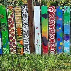 Blue Painted Fences Ideas | Colorful Painting Ideas for Fences Adding Bright Decorations to Yard ...
