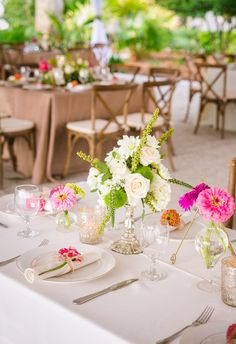 Refreshingly bright tablescape, fuschsia daisies, lime green accents // Dana Cubbage Weddings