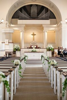 A Timeless Fall Wedding in Baltimore That Came Together in Just 6 Months! The post A Timeless Fall Wedding in Baltimore That Came Together in Just 6 Months! Simple Church Wedding, Church Wedding Flowers, Church Wedding Ceremony, Chapel Wedding, Fall Wedding, Church Weddings, Trendy Wedding, Timeless Wedding, Romantic Weddings