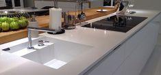 Pia de porcelanato cozinha branca Kitchen Units, Sink, House, Home Decor, Nova, Instagram, Toilet Decoration, House Building, Houses
