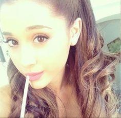 I love you Ariana Grande :-* Ariana Grande Selfie, Ariana Grande Pictures, Yours Truly, We Heart It, Adriana Grande, Ariana Grande Dangerous Woman, Queen, Nicki Minaj, Pretty Woman