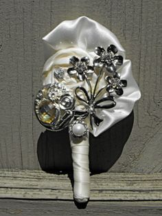 BROOCH BOUTONNIERE, Made to Order, for Men, Groom, Groomsmen, Fathers, Special Occasion or Dances, Keepsake, Affordable, Weddings
