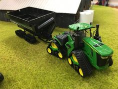 Model Farm Monday Week 211 | Customs & Display Journals ® | Toy Talk | The Toy Tractor Times Online Magazine