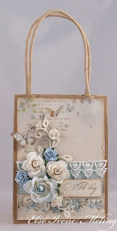 Wild Orchid Crafts: A small giftbag
