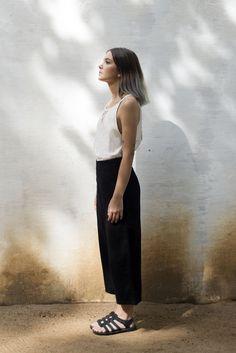 calça midi • preta