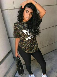 Chic And Stylish Hairstyles For Long Curly Hair Fashion Killa, Look Fashion, Autumn Fashion, Girl Fashion, Fashion Outfits, Fashion Boots, Fashion Women, Fashion Tips, Chill Outfits