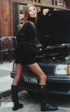 Young Kate Moss #katemoss #throwbackshoot find more women fashion on www.misspool.com