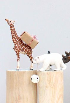 Giraffe-bearing-gifts.jpg 1,188×1,735 pixels