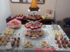 E no blog tem festa arraiá!! Hum... Comidas e doces típicos e uma decoração bem charmosa!! http://prosademae.blog.br/festa-arraia/ #arraia #festacaipira #comidastipicas #festajulina #festaagostina #prosademae