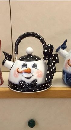 heyPolly, put the kettle on.heyPolly, put the kettle on. Christmas Art, All Things Christmas, Christmas Decorations, Christmas Ornaments, Xmas, Tole Painting Patterns, Pottery Teapots, Teapots And Cups, Snowman Crafts