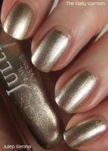 Oh hey, Julep! I was looking through a bunch of untried polishes on the hunt for a good neutral polish to wear with a navy dress when I ran across Sienna. In the bottle it reminde… Nail Rack, Gold Nail Polish, Dark Red Lips, Picture Polish, Video Pink, Pinterest Projects, Nails Tumblr, Nail Polish Collection, Pink Art