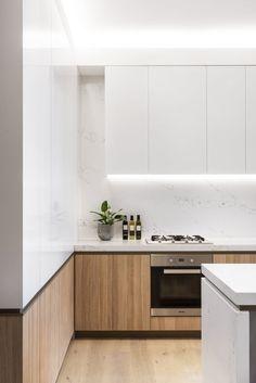 Kitchen Room Design, Modern Kitchen Design, Interior Design Kitchen, Kitchen Decor, White Gloss Kitchen, Scandinavian Kitchen, Scandinavian Modern Interior, Nordic Kitchen, Walnut Kitchen