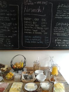 Tonka Bar in Barcelona perfect for brunch!  Today I like blog