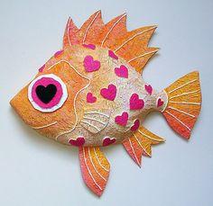 Fish By Papier Mache Artist Sarah Cox Paper Mache Sculpture, Sculpture Projects, Soft Sculpture, Paper Mache Crafts, Clay Crafts, Arts And Crafts, Paper Clay, Diy Paper, Clay Fish