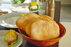 Ein Fladen aus Kichererbsenmehl ist ein Rezept das als Beilage zu Fisch oder Fleisch gereicht wird.