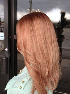 Цвет волос «розовое золото»