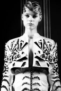 Elegant Cutwork - 3D surface pattern detail with mirror symmetry; the art of fashion // Iris van Herpen Haute Couture