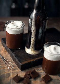 pudding w chocolate stout Mini Desserts, Summer Desserts, Double Chocolate Stout, Chicken Flatbread, Dark Beer, Cooking Chocolate, Chocolate Pudding, Chocolate Chocolate, Cheesy Chicken
