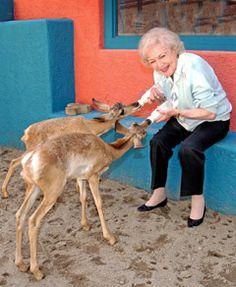 Betty White and Deer Betty White, Female Stars, Golden Girls, Pets, Vegan Food, Animals, Robot, Amy, Twins