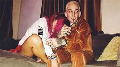 Bella Thorne Gets Super Cozy With Singer Blackbear — Scott Disick Jealous? https://tmbw.news/bella-thorne-gets-super-cozy-with-singer-blackbear-scott-disick-jealous  Bella Thorne snuggled up with Blackbear for an adorable Instagram just days after dancing the night away with him in NYC! Is she totally over Scott Disick?Bella Thorne looked totally loved up with Blackbear! The 19 year-old stunner had her arm draped over the rapper's leg as she laughingly hid from the camera in her latest…