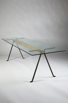 Modernity - Frate. Dining table designed by Enzo Mari for Driade, Italy. 1973. - 20th Century Design