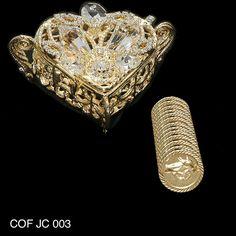 COF JC 003 - pecho en forma de corazón con abalorios de cristal. Este conjunto incluye las 13 monedas tradicionales utilizadas en la ceremonia de la boda.