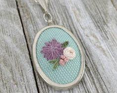 embroidery necklace pendant ile ilgili görsel sonucu