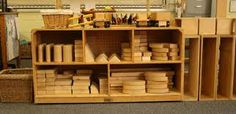 Block center — flags, YES! carpet squares, why didn't I think of that? oh, why must our playroom be just 200 sq ft? Preschool Centers, Activity Centers, Learning Centers, Block Center, Block Area, Classroom Layout, Classroom Organization, Classroom Ideas, Opening A Daycare