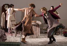""""""" Dançando em Lúnassa"""" - Domingos Nunes -scenographer e Costume Design -  Paula De Paoli e Telumi Elen"""