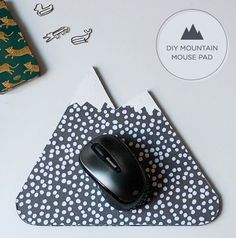 5 Adorable DIY Mousepads - perfect to make as holiday gifts!