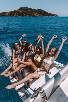 Pictures to take with your best-friends picture ideas ✖ bff Photos Bff, Best Friend Photos, Best Friend Goals, Sister Photos, Friend Pics, Summer Pictures, Beach Pictures, Boating Pictures, Cute Friend Pictures