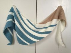40 Super Ideas For Knitting Machine Projects Beautiful Knitted Baby Blankets, Knitted Shawls, Crochet Scarves, Knit Crochet, Fair Isle Knitting Patterns, Crochet Patterns, Lace Scarf, Knit Wrap, Lace Knitting