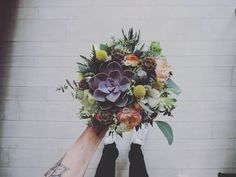 .. Clémentine & Benoît .. Ma petite plante grasse  #bouquet #bride #bridebouquet #wedding #mariage #instawedding #lovely #flower #justmarried #fleuriste #lefleuriste #florist #french #instaflowers #lille #married #ido