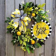 Summer Door Wreaths, Wreaths For Front Door, Mesh Wreaths, Yarn Wreaths, Winter Wreaths, Floral Wreaths, Burlap Wreaths, Spring Wreaths, Holiday Wreaths