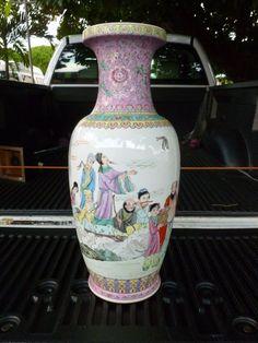 in Antiques, Asian Antiques, China Pottery Bowls, Pottery Art, Traditional Vases, A Little Night Music, Porcelain Vase, Fine Porcelain, Rose Vase, Keramik Vase, Blue And White China