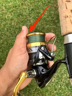 Want to discover 14 tips to help eliminate wind knots, tangles, and frustration with braided line? Then check out this ultimate wind knot post Surf Fishing Tips, Fishing Line Spooler, Fly Fishing Gear, Fishing Tools, Fishing Stuff, Fishing Storage, Fishing Quotes, Fishing Tackle, Walleye Fishing Lures