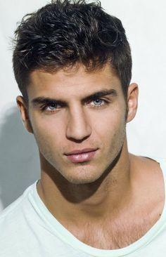 Imagine similară Maxi Iglesias, Elizabeth Hurley, Face Men, Male Face, Beautiful Eyes, Gorgeous Men, Spanish Men, Latin Men, Movies